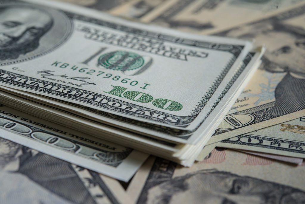 bani din investitii la bursa online