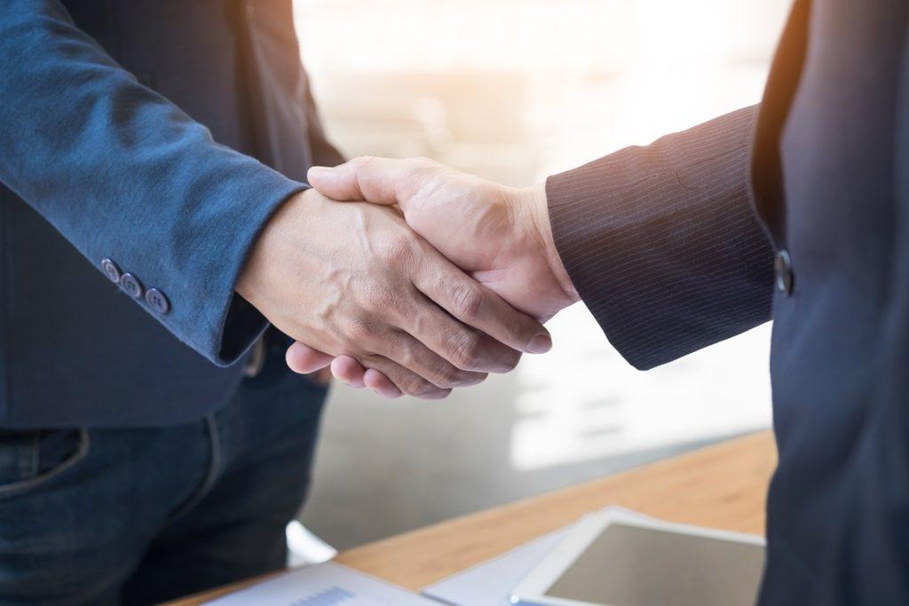 Broker online de încredere pentru investiții la bursă.